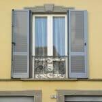 finestra-con-persiana-alluminio