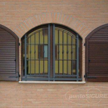 grata-sicurezza-finestra-arco