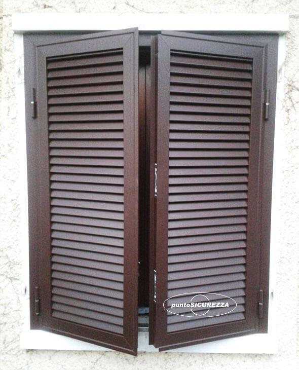 Persiane in alluminio finto legno - Prezzi su misura